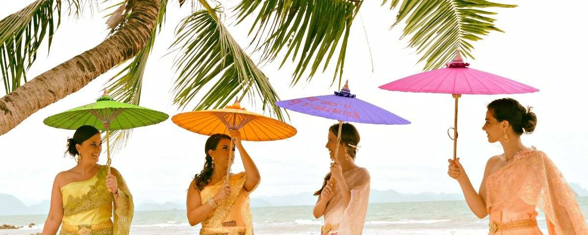Chiang Mai Classic Umbrellas - Thai Oiled Umbrellas - Wedding in Samui - 4 Bridesmaids