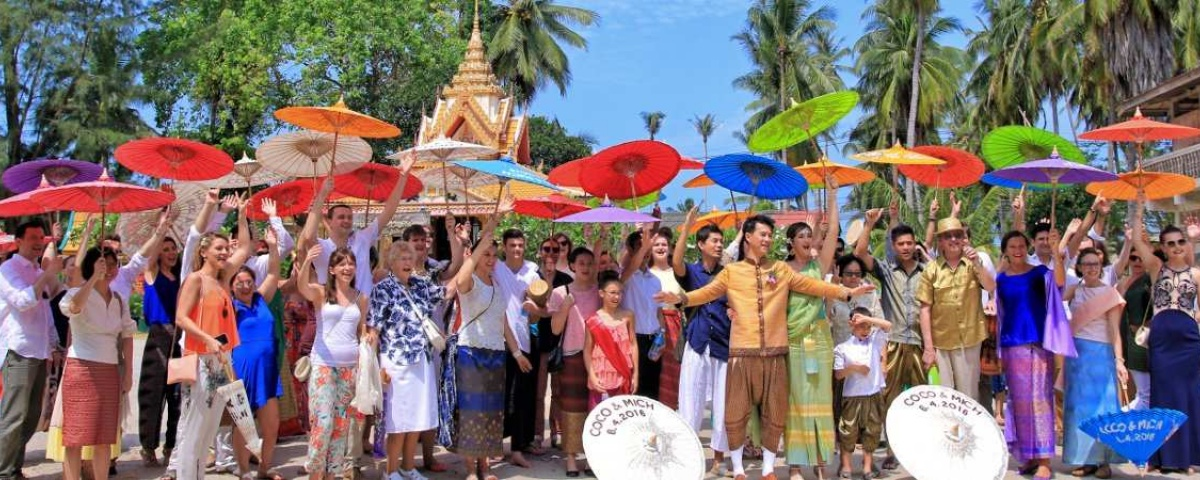 Chiang Mai Classic Umbrellas - Thai Oiled Umbrellas - Wedding in Samui - Colorful Group