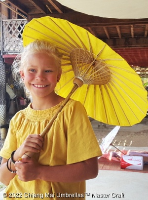 Thai paper umbrella in solid color yellow, kid size - Wholesale paper umbrellas
